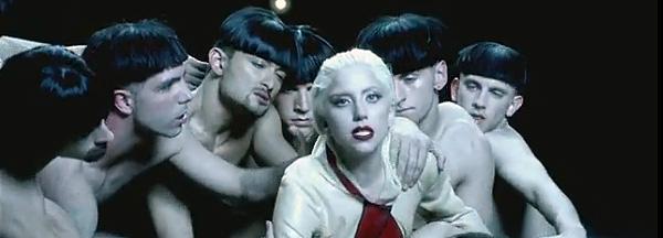 Sor Lady Gaga, sexo y monja