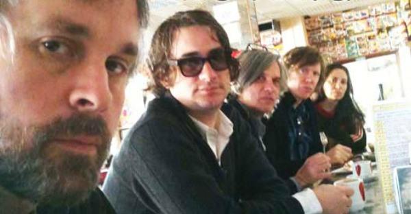 Escucha el debut de Chelsea Light Moving, la nueva banda de Thurston Moore