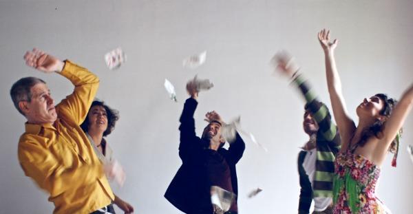 Crítica: El projecte dels bojos. Una utopia musical, en el Almeria Teatre.