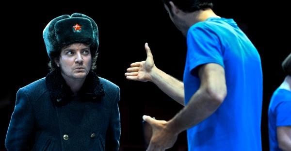 Crítica: La revolució no serà tuitejada, en el Teatre Lliure Gràcia