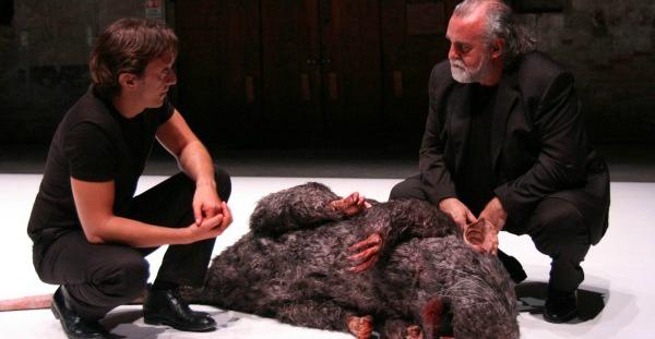 Crítica: El policía de las ratas, en el Teatre Lliure