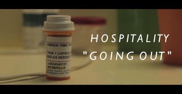 Dean Wareham y Britta Phillips en el nuevo vídeo de Hospitality