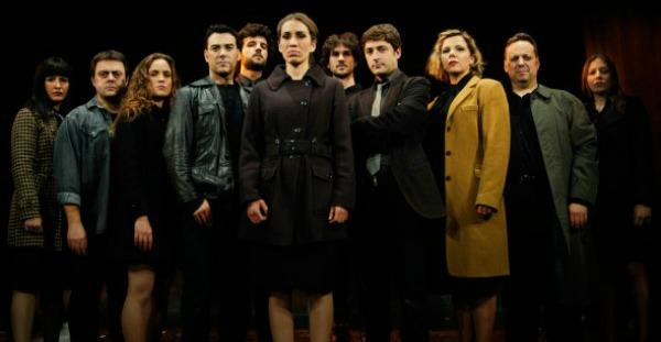 Crítica: Germans de sang, en el Teatre del Raval.