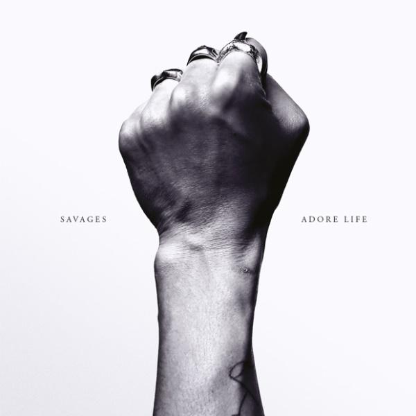 Savages anuncian nuevo álbum y estrenan 'The Answer'