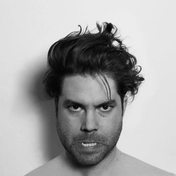 Escucha 'Quizá', la canción inédita que cierra el recopilatorio de Joe Crepúsculo