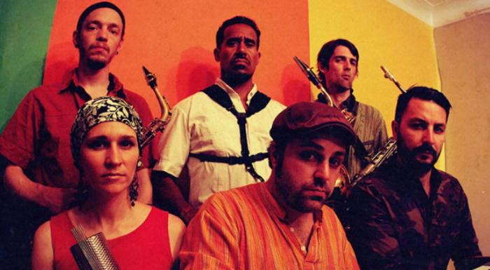 The Souljazz Orchestra en Sala La Nau