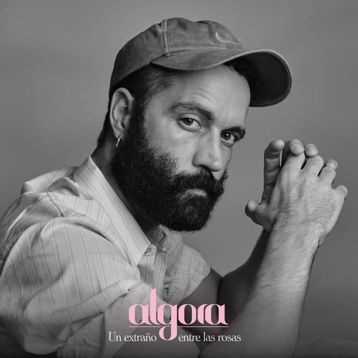 """Algora, """"Un extraño entre en las rosas"""" (El Genio Equivocado, 2020)"""