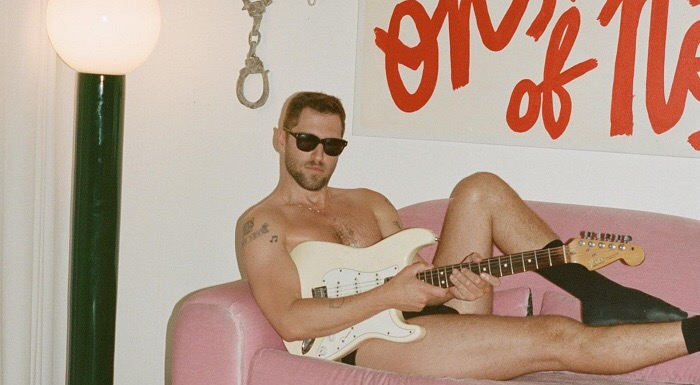 Seth Bogart estrena dos canciones de su nuevo trabajo
