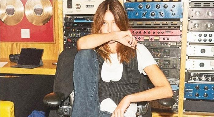 Carla Bruni regresa con nuevo disco
