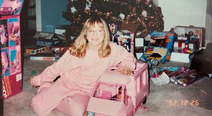 """Escucha """"Santa Stay Home"""": el dardo envenenado a Papá Noel de U.S. Girls"""