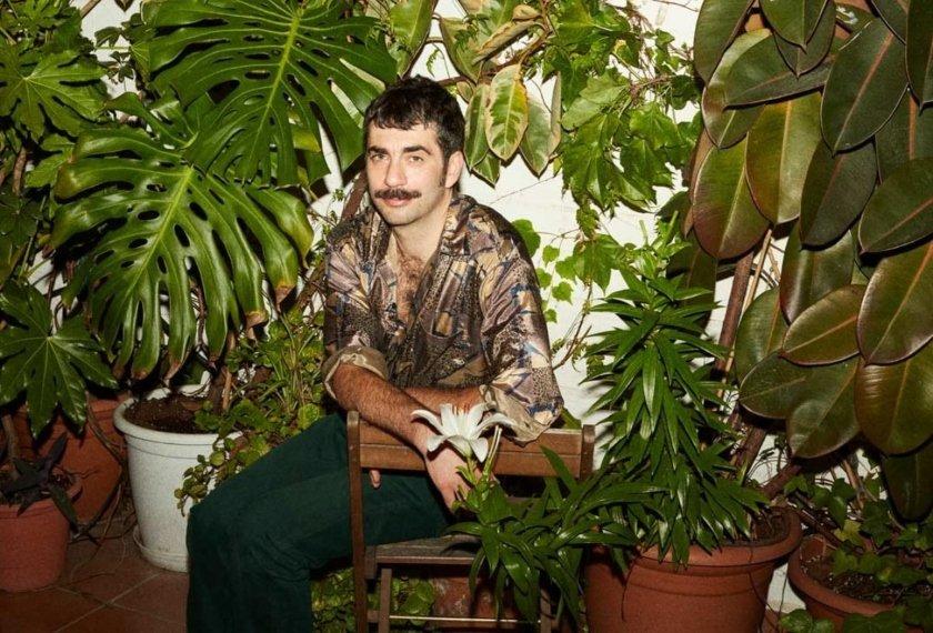 """Evripidis nos cuenta una agresión homófoba en """"Lycabettus"""", su canción contra la intolerancia y el odio al colectivo LGTBI+"""